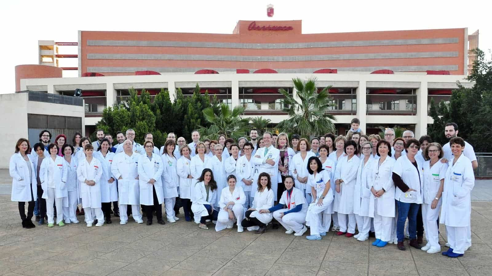 jose maria moraleda y equipo medico cientifico - Herencia aporta 5000 euros a la investigación del coronavirus liderada por el doctor José María Moraleda