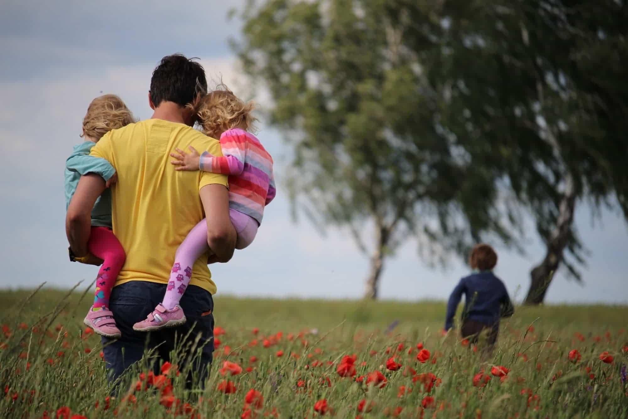 salida de ninos padres confinamiento coronavirus - Conoce las condiciones para que los niños salgan a partir del domingo