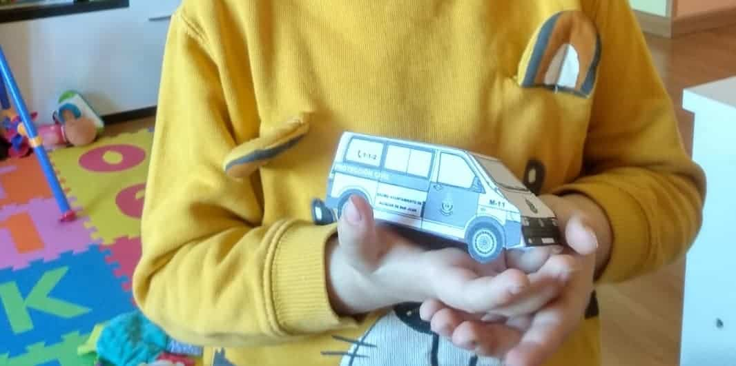 vehiculo proteccion civil recortable montado - Recortable para crear tu vehículo de Policía Local o Protección Civil