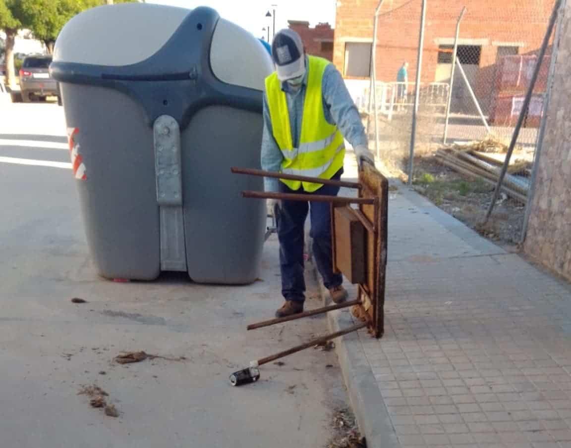 basura en contenedores que es para punto limpio 2 - Recuerda que Herencia tiene Punto Limpio para utilizarlo