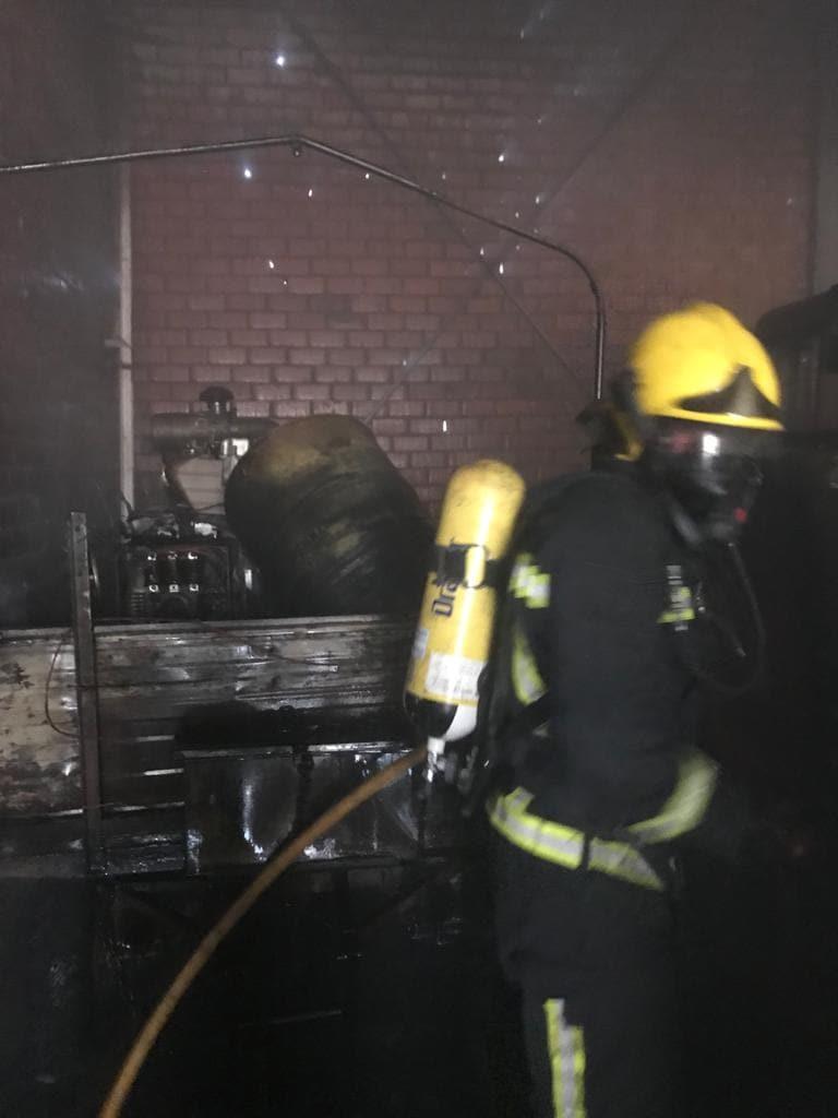 bomberos incendio camaras frigorificas herencia 2 - Incendio en unas cámaras frigoríficas de frutas y verduras en Herencia