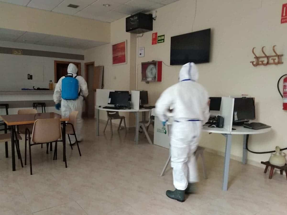 equipo geacam herencia - Nuevas labores de desinfección en diversas zonas de Herencia