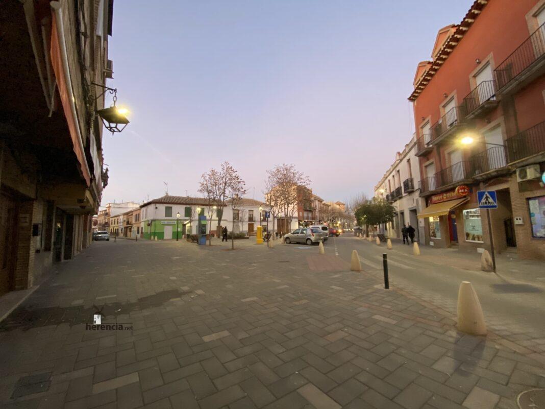 """plaza cervantes herencia 2020 1068x801 - Esta previsto adelantar el cierre de """"El Roce"""" para apoyar a la hostelería"""