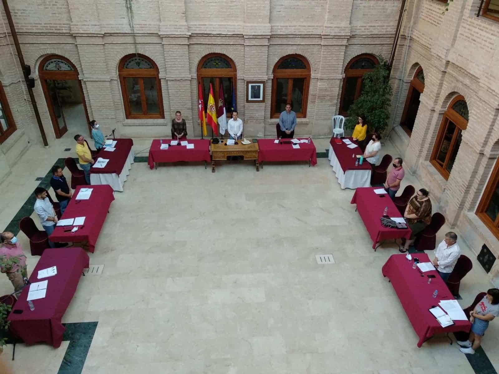 El pleno de Herencia comenzó con un minuto de silencio y aprobación de importantes medidas por unanimidad 3