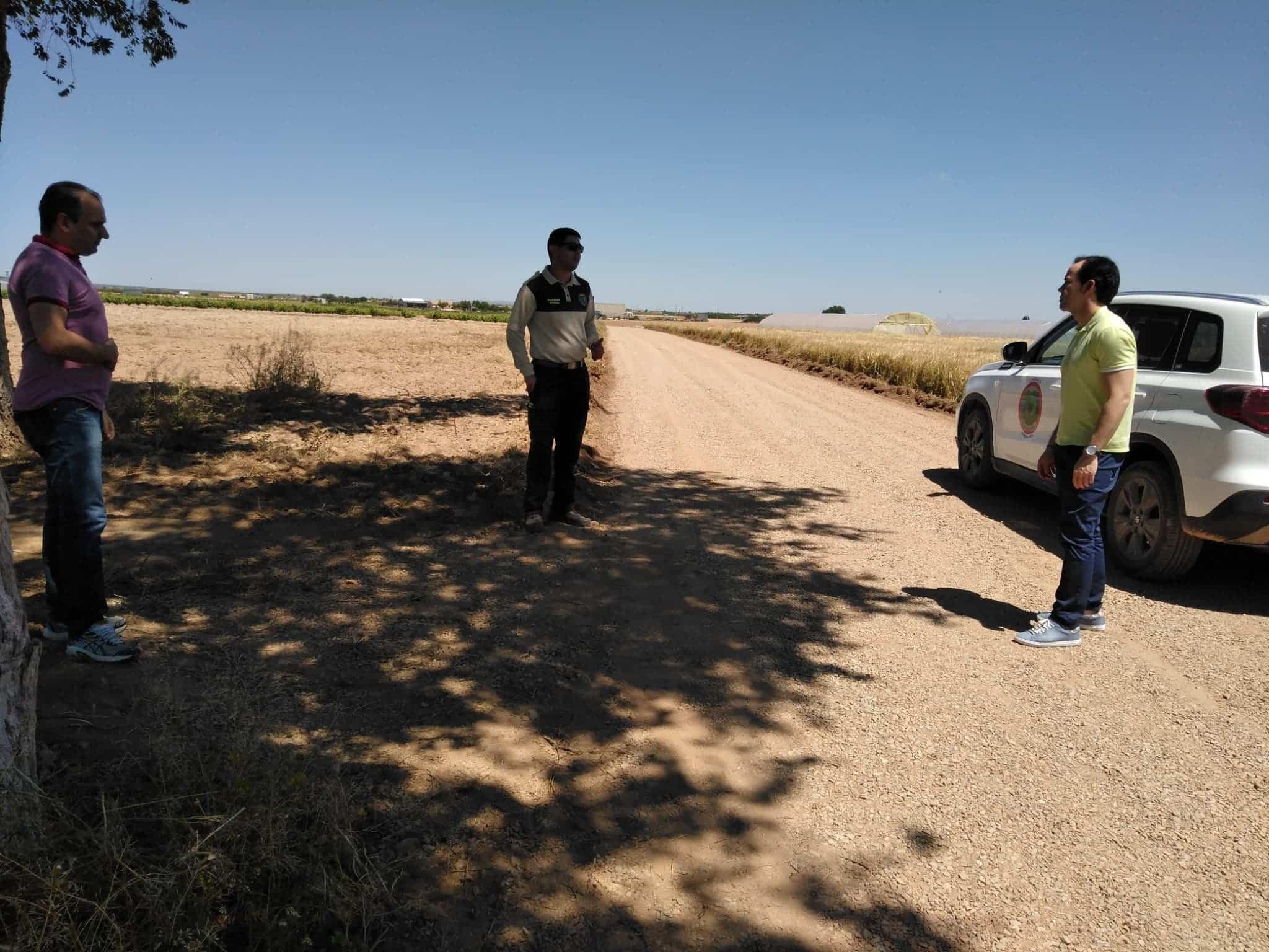 revision mantenimiento caminos rurales pandemia alcalde concejal guarda rural - Arreglos y conservación de caminos rurales durante el confinamiento en Herencia