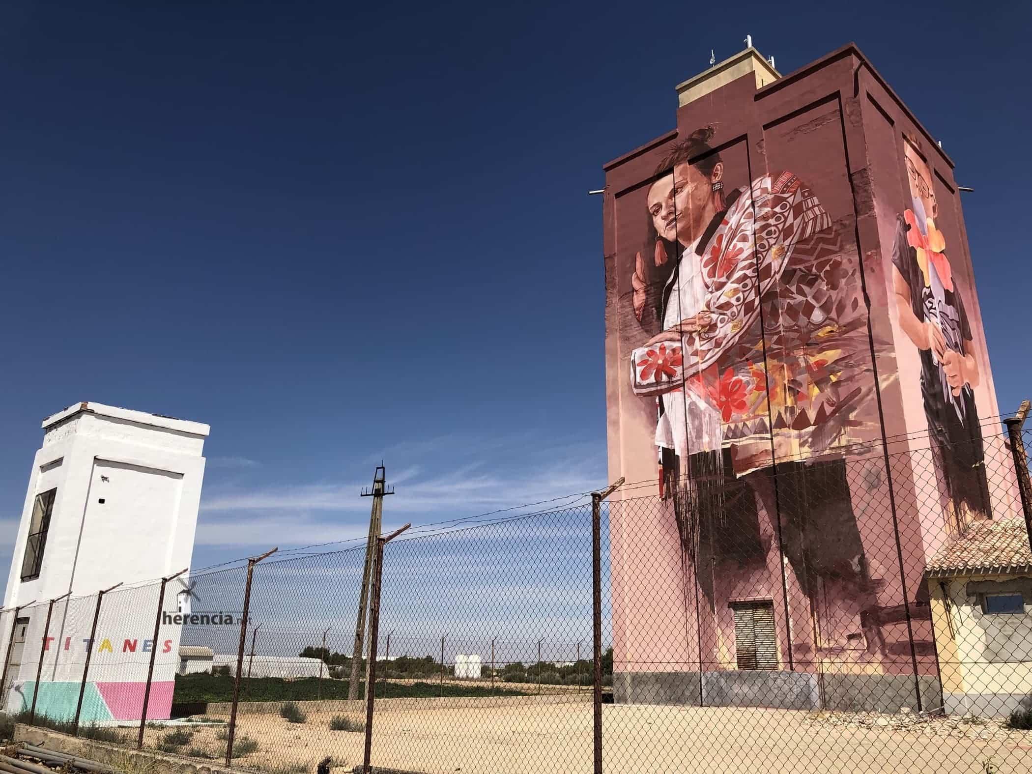 silo de trigo herencia pintado 2020 - Herencia en el concurso para elegir El Pueblo más bonito de Castilla-La Mancha 2020