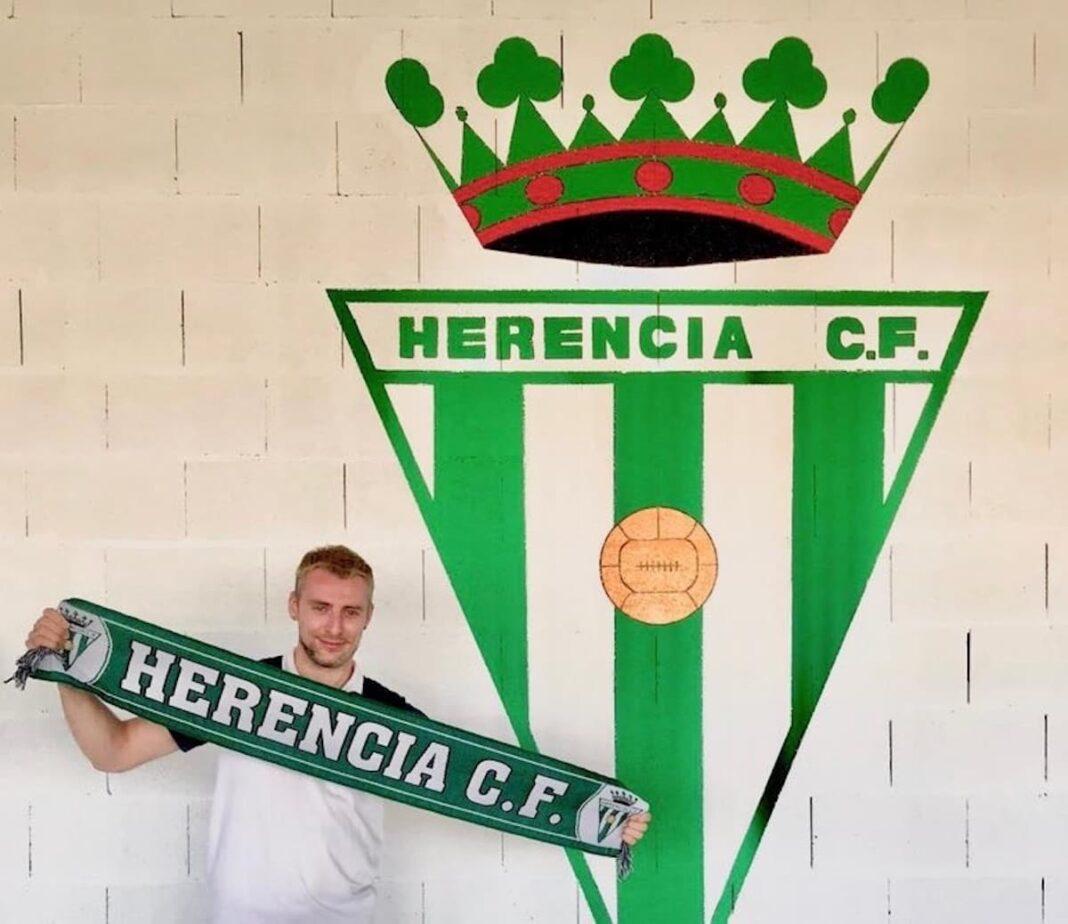 Enrique herranz rodriguez kike herencia futbol 1068x924 - Kike Herranz renueva para 2020-2021 con el Herencia C.F.
