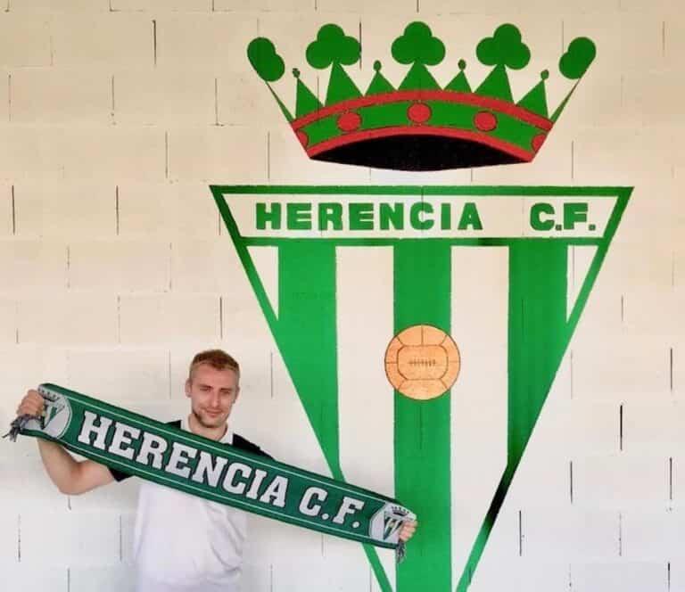 Kike Herranz renueva para 2020-2021 con el Herencia C.F.