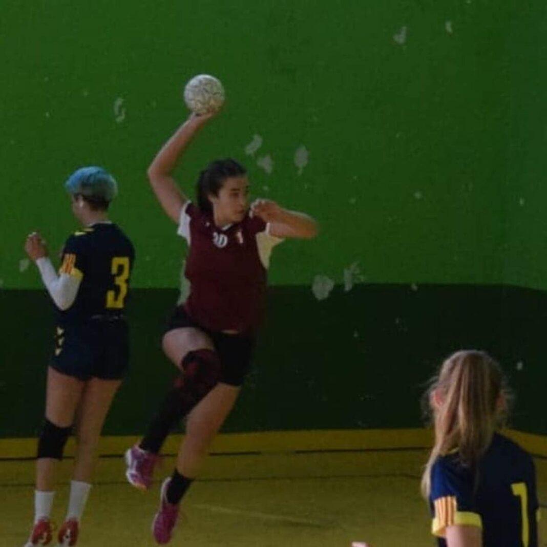 Lucia gomez calcerrada balonmano herencia 1068x1068 - Lucía Gómez jugará en el Balonmano Bolaños en la División de Honor Plata Femenina