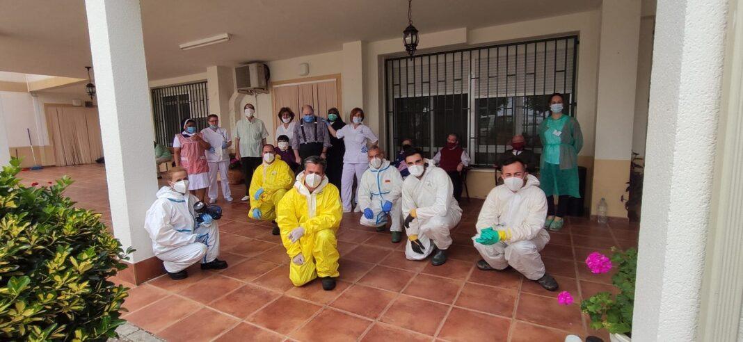 Nuevas desinfecciones de interiores de las residencias de mayores en Herencia 1