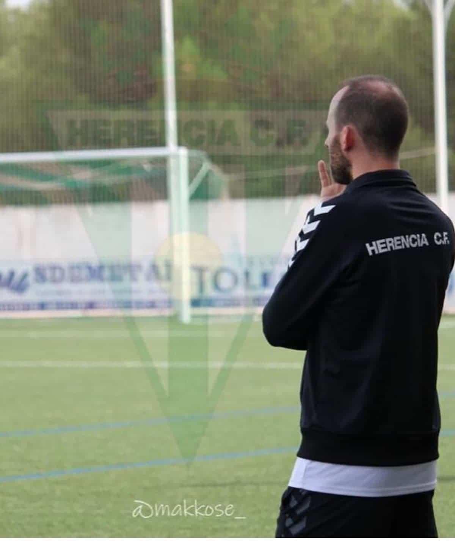 entrenador juvenil choche herencia - Choche renueva como entrenador del equipo juvenil para la temporada 2020-2021