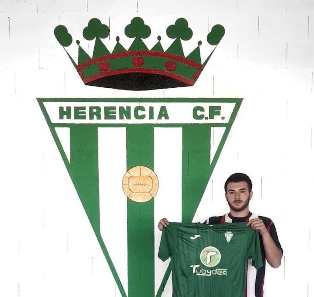 fichaje herencia futbol Cristian Alexandru 1068x1010 - Fichaje de Cristian Alexandru para el fútbol herenciano