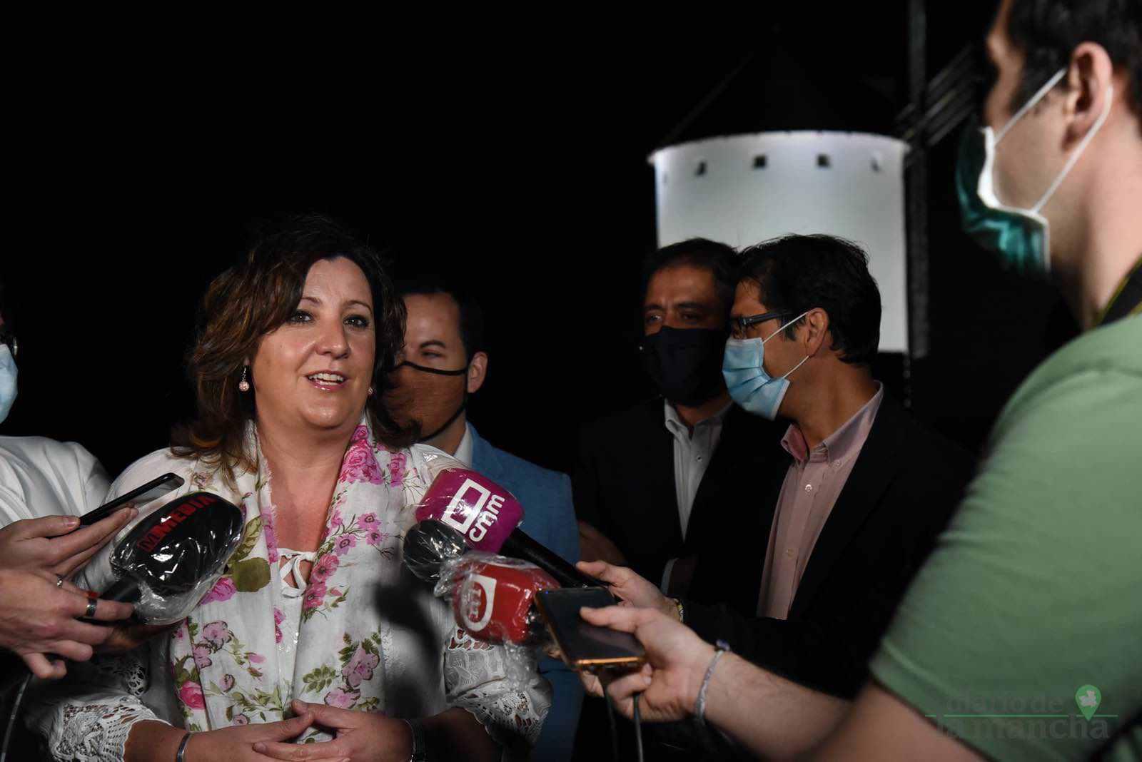 Herencia vuelve a inaugurar con una nueva iluminación artística sus molinos de viento 32