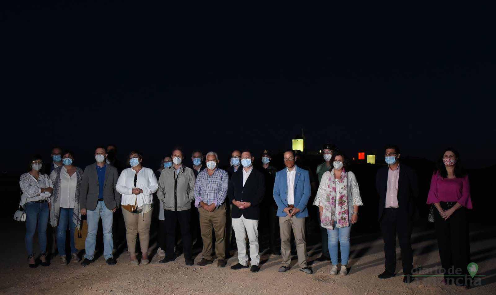 Herencia vuelve a inaugurar con una nueva iluminación artística sus molinos de viento 31