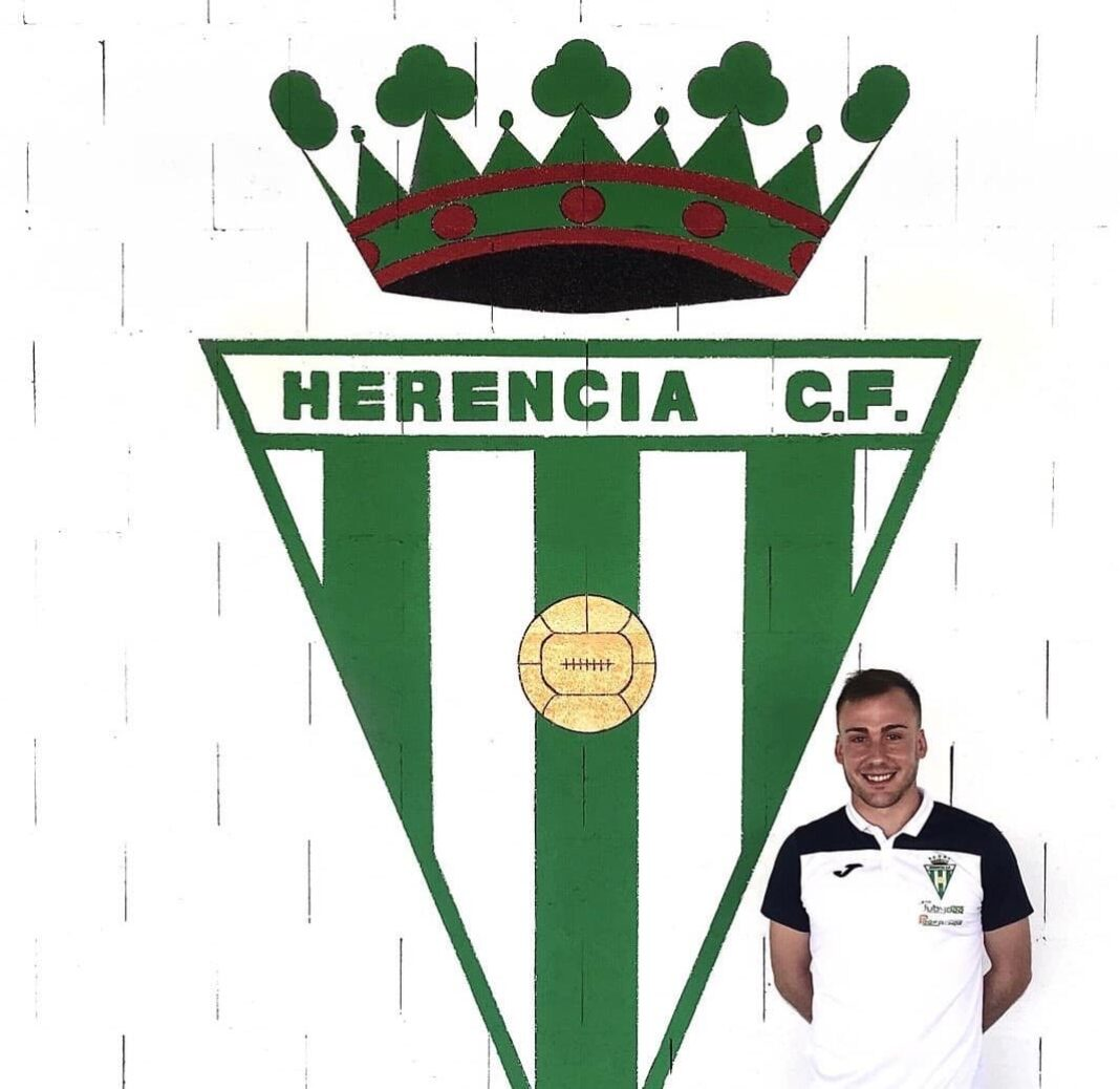 Iván Gonzalez renueva por el Herencia C.F. para el 2020-2021 1