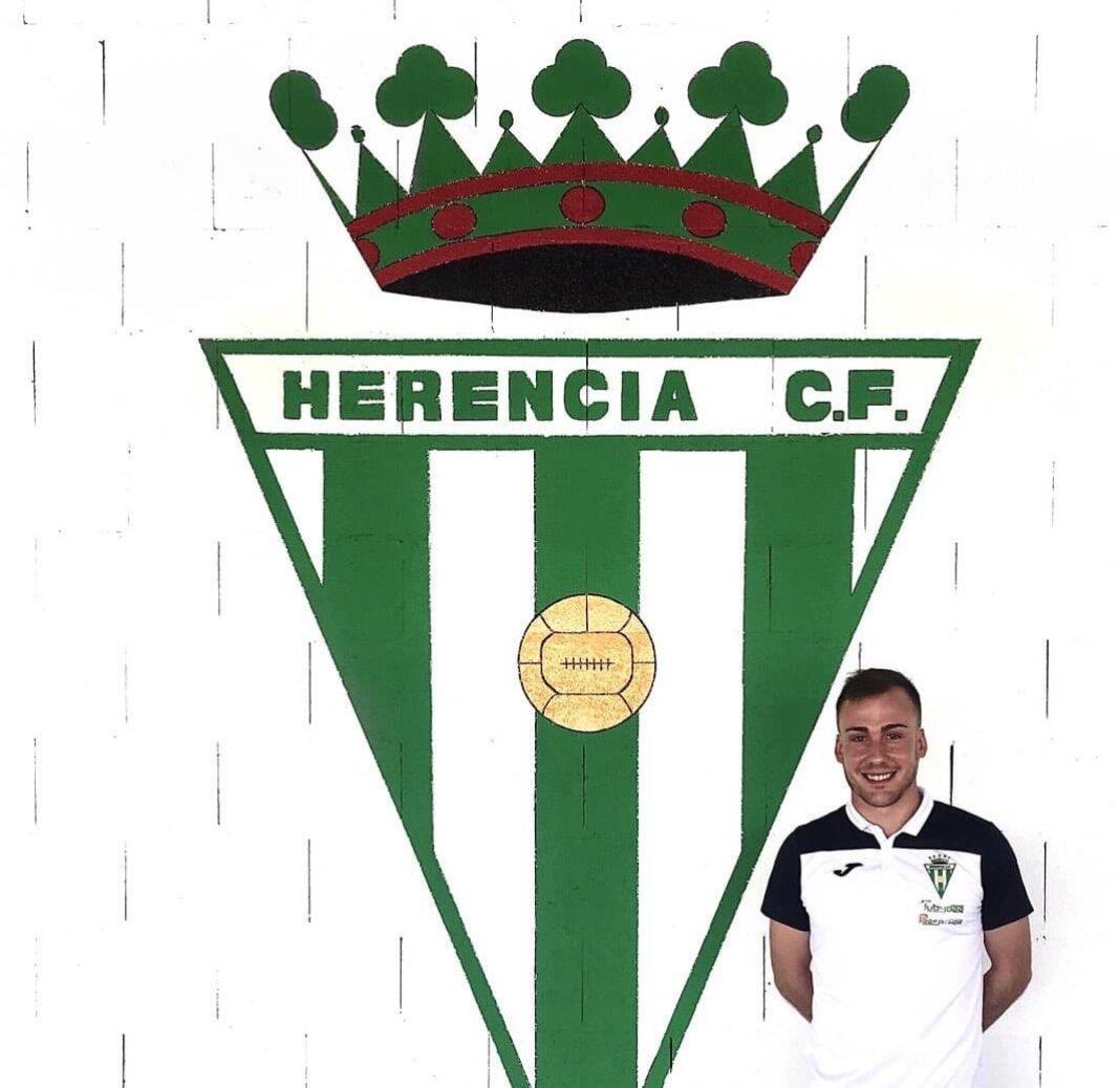 ivan gonzalez herencia futbol 1068x1038 - Iván Gonzalez renueva por el Herencia C.F. para el 2020-2021