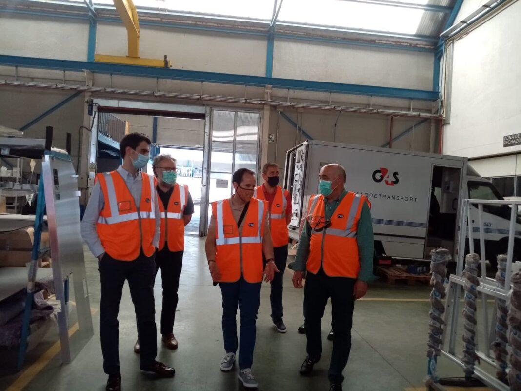 tsd herencia visita alcalde 2 1068x801 - Visita de Alcalde a las instalaciones de TSD Technology & Security Developments