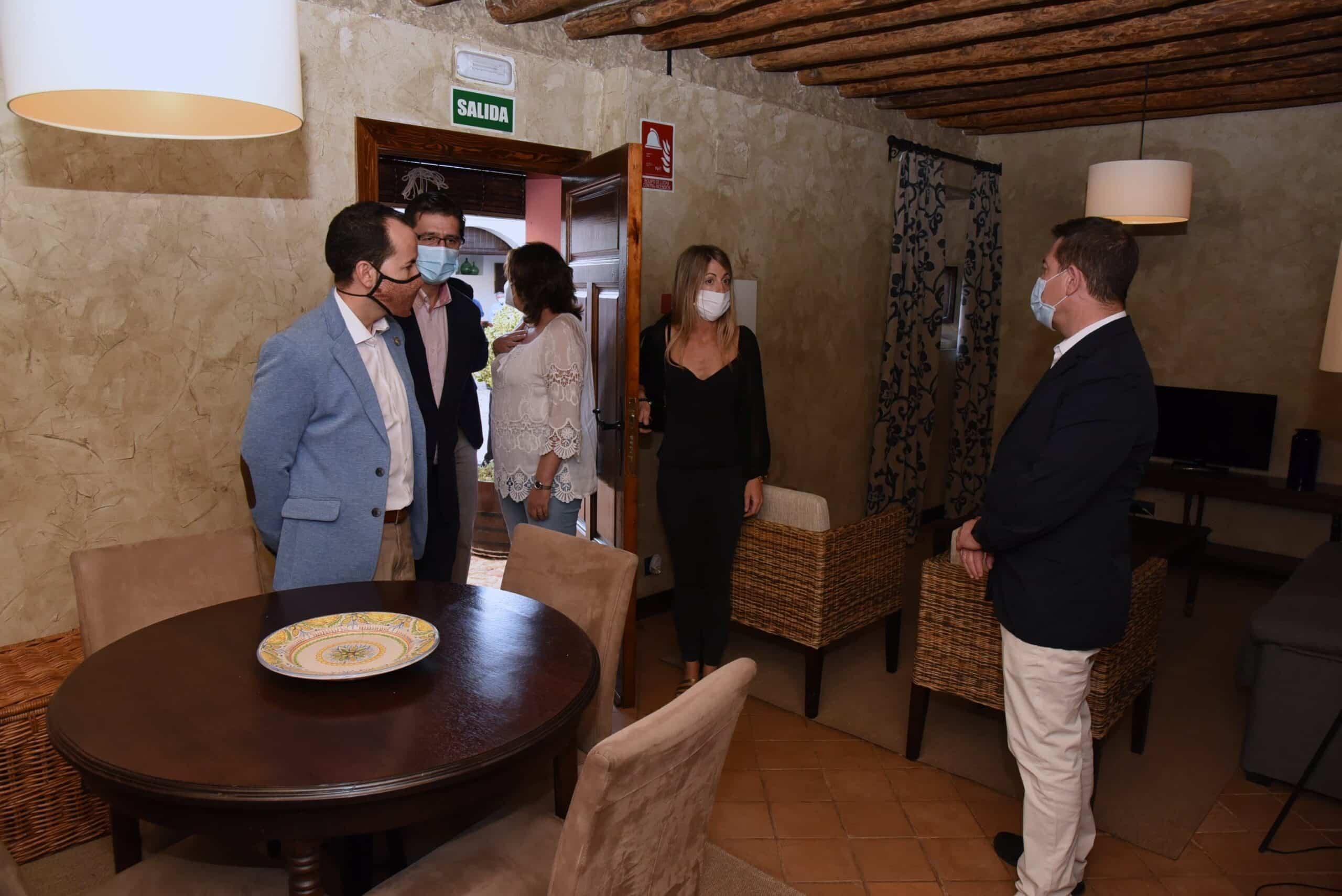 """Visita al complejo rural """"Cortijo Sierra de la Solana 1878"""" en Herencia 41"""