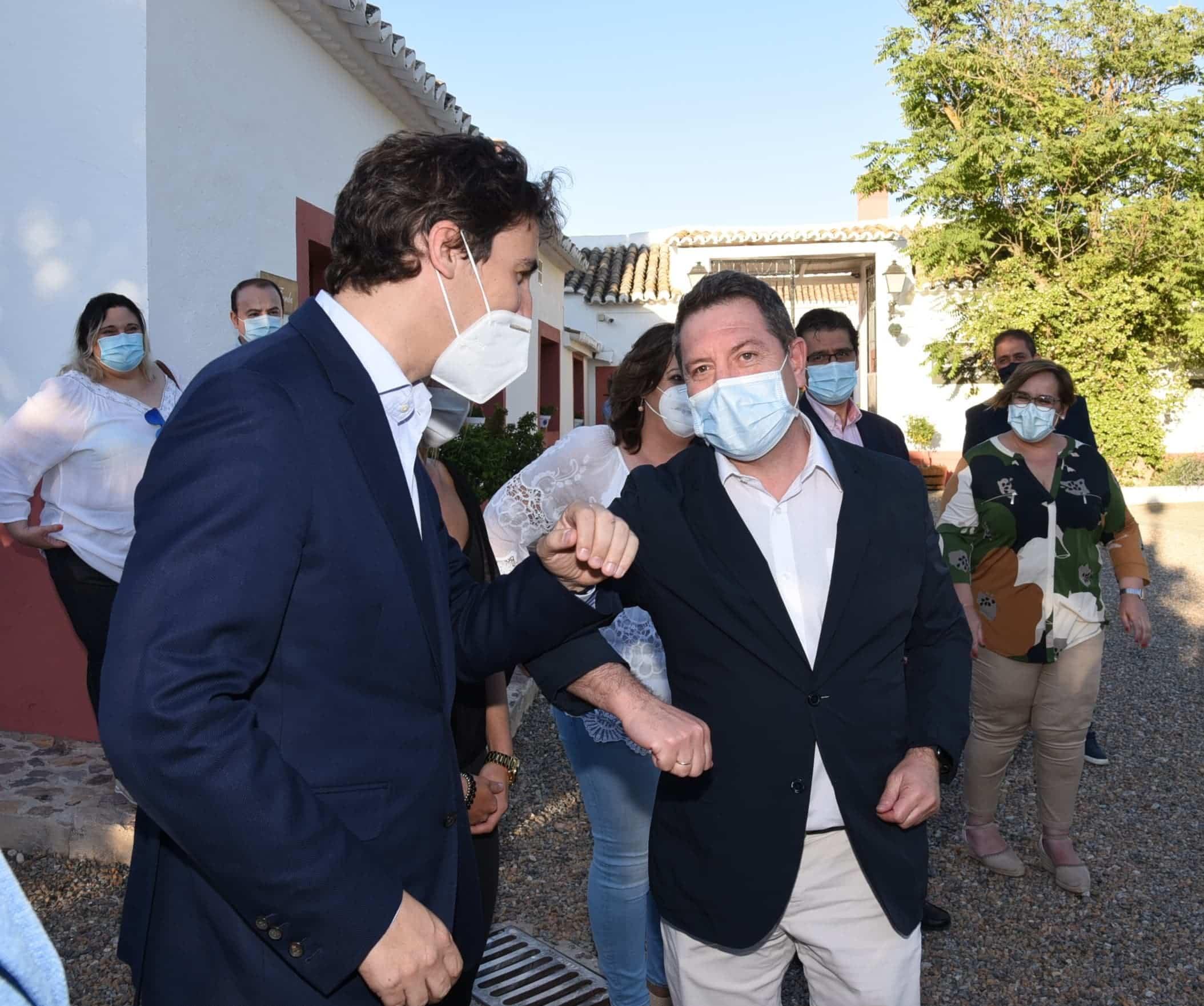 """visita el complejo rural cortijo sierra de la solana 1878 50017236827 o - Visita al complejo rural """"Cortijo Sierra de la Solana 1878"""" en Herencia"""
