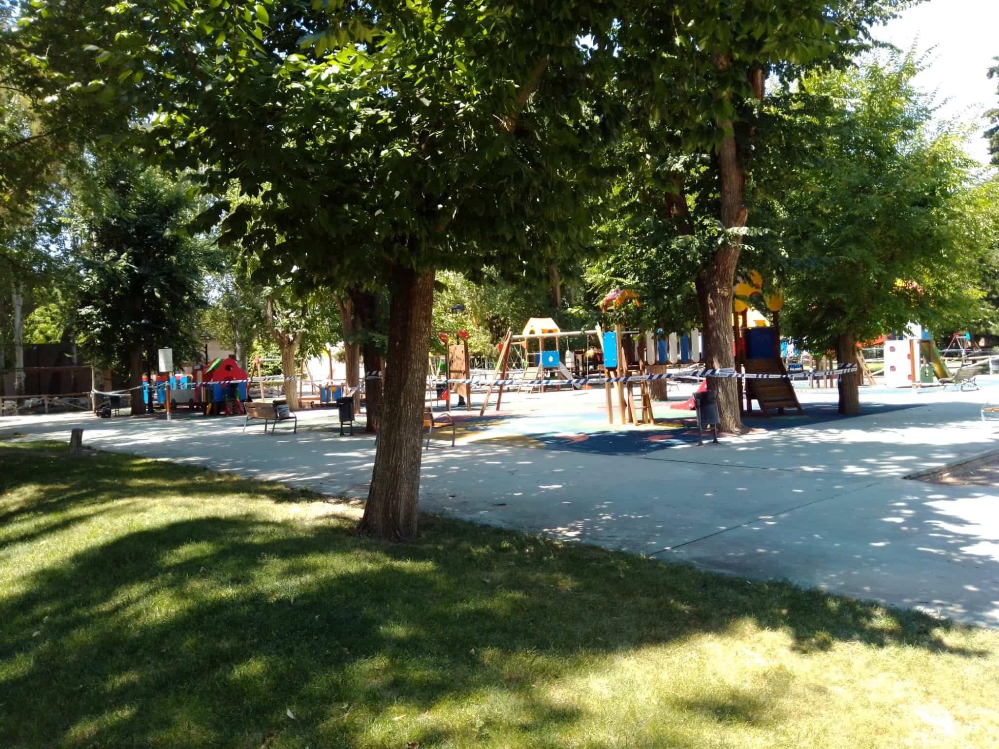apertura parques infantiles herencia 1 - Herencia reabre sus parques infantiles bajo un protocolo diario de limpieza y desinfección