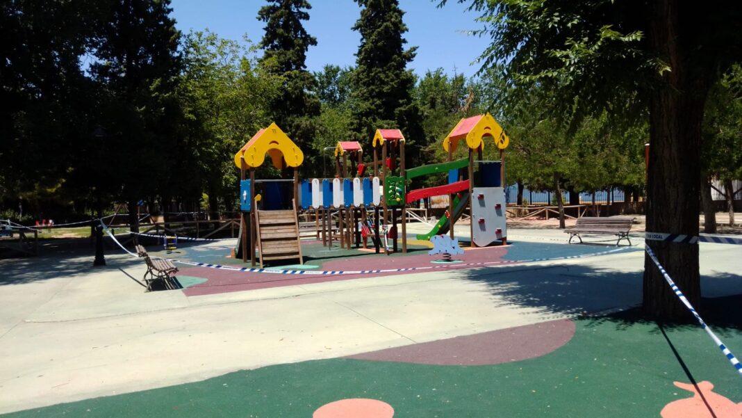 apertura parques infantiles herencia 2 1068x601 - Herencia reabre sus parques infantiles bajo un protocolo diario de limpieza y desinfección