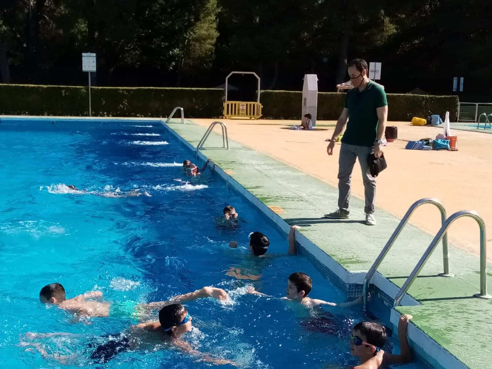 Los cursillos de natación comienzan en Herencia con seguridad 8