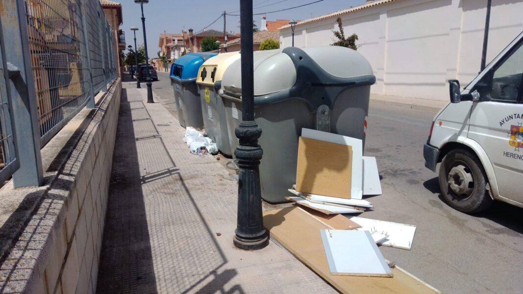 recogida de residuos para punto limpio herencia 1068x601 - Herencia continua realizando mejoras, limpiezas y recogiendo residuos