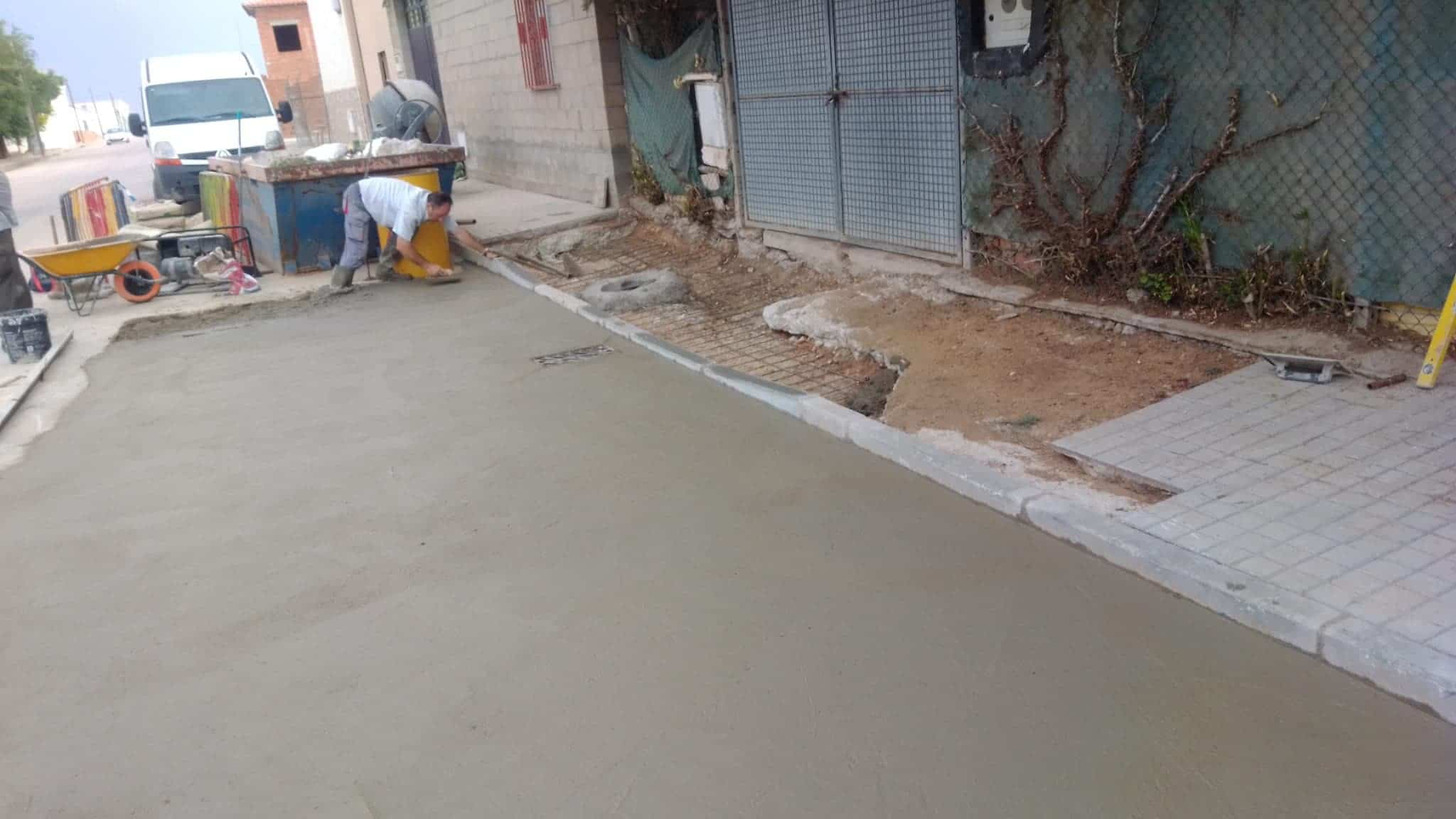 Arreglado el hundimiento de vía en el Barrio de San José 7