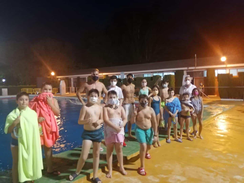 Clausura de los cursillos de natación de julio en Herencia 21