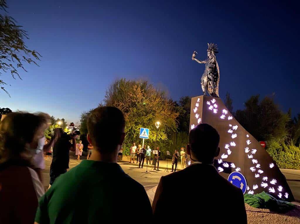 escultura contra violencia homenaje gonzalo bujan herencia 2 - Inaugurada la escultura contra la violencia en homenaje a Gonzalo Buján