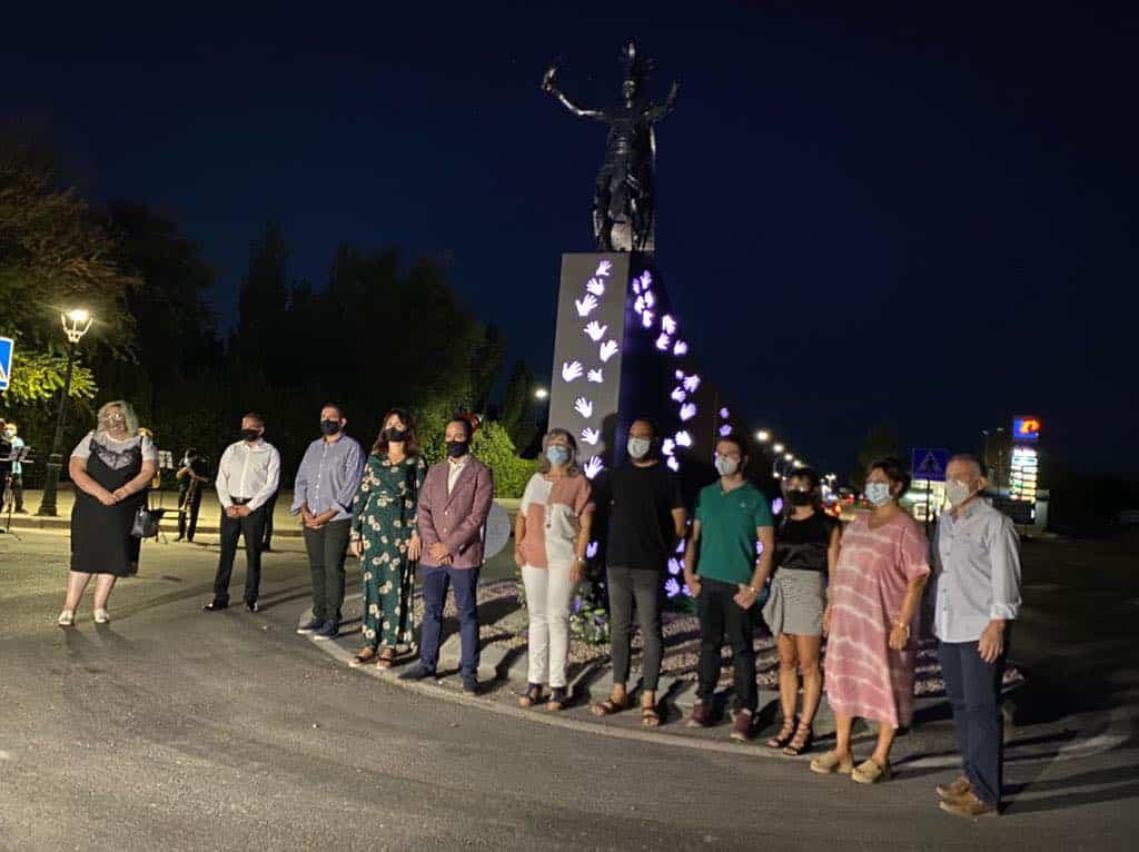 escultura contra violencia homenaje gonzalo bujan herencia 4 - Inaugurada la escultura contra la violencia en homenaje a Gonzalo Buján