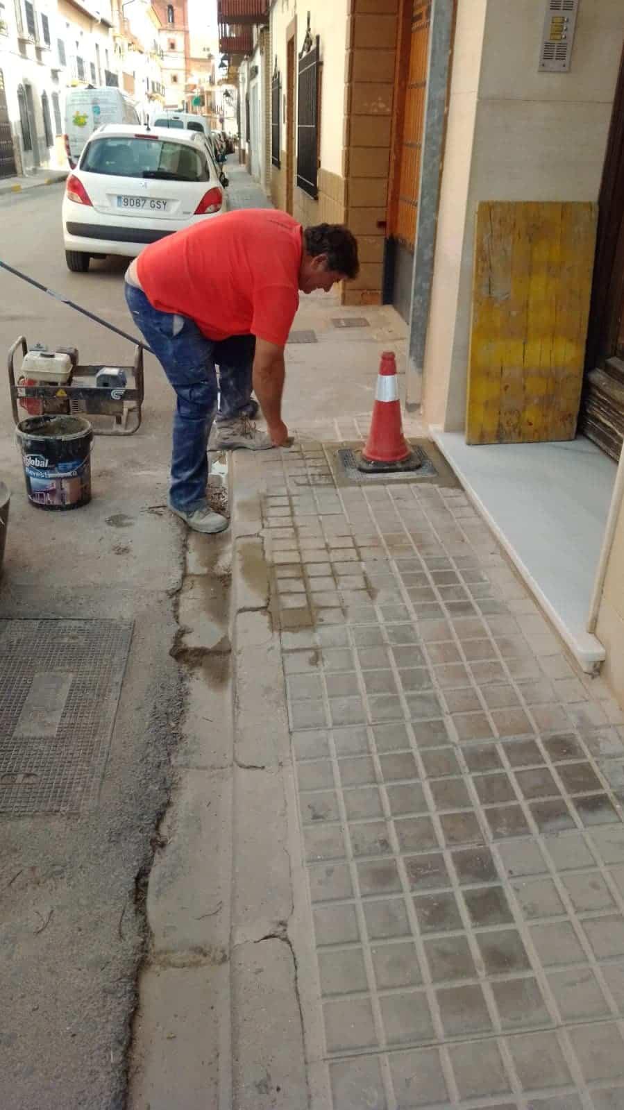 obras vias publicas herencia 2 - Continua la conservación de las vías públicas en Herencia