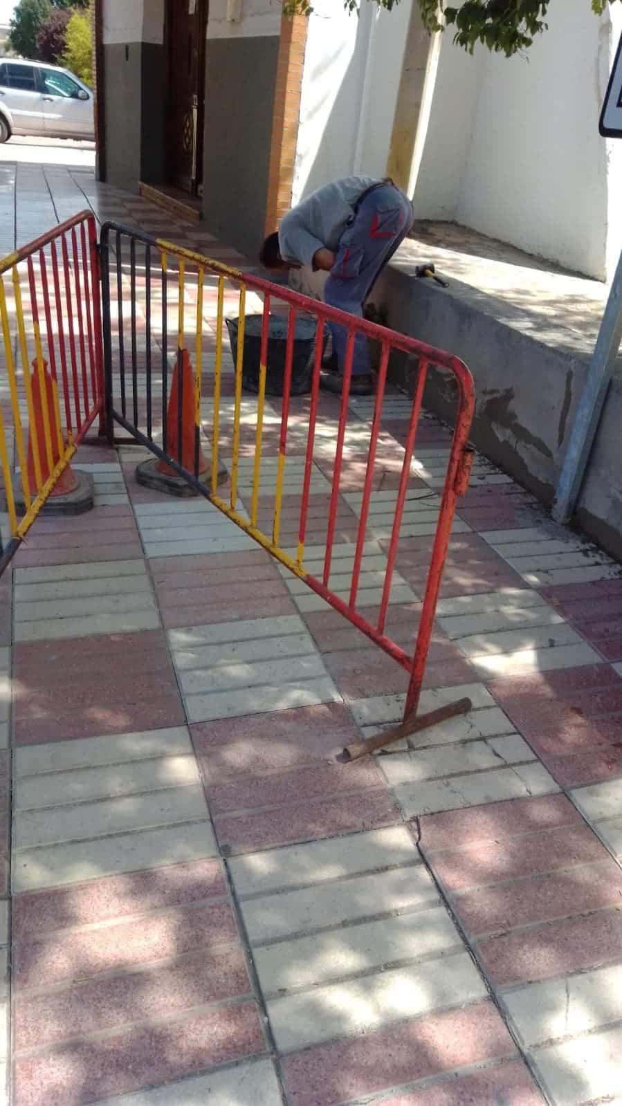 obras vias publicas herencia 3 - Continua la conservación de las vías públicas en Herencia