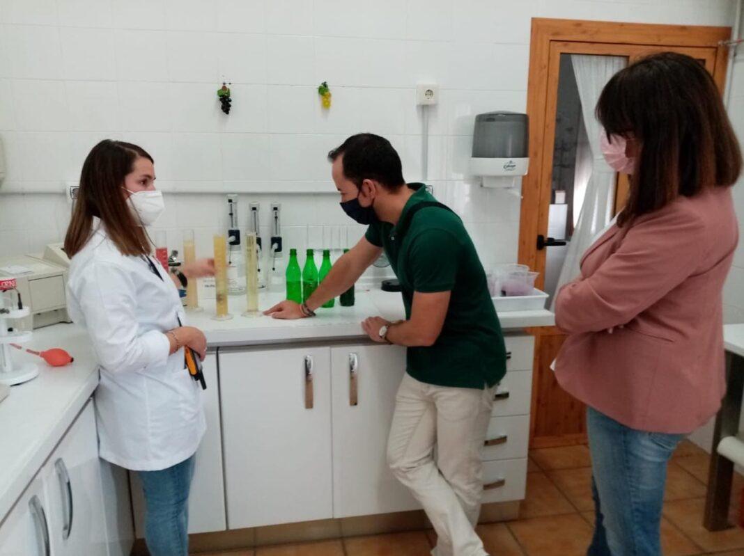 """Visita a la Cooperativa """"Cristo de Santa Ana"""" en Villafranca 7"""