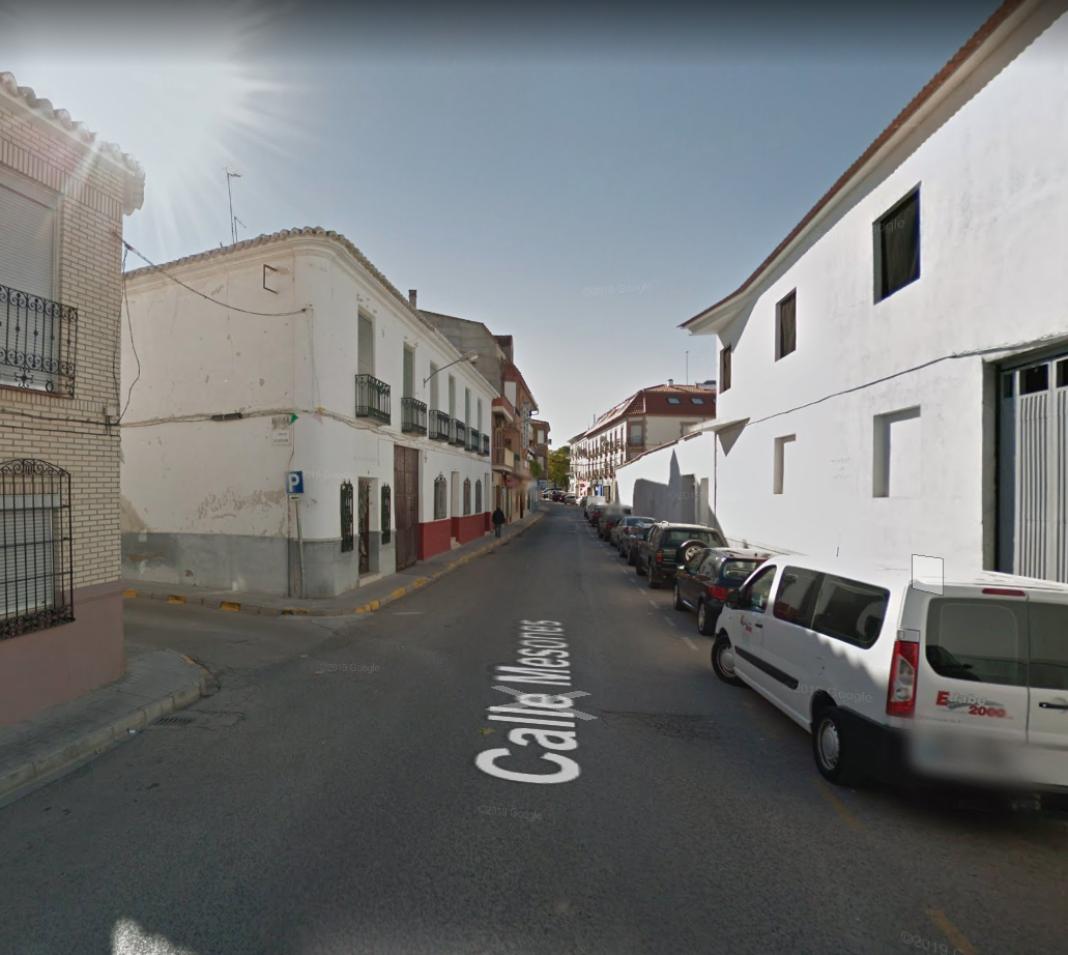 Obras de asfaltado y colocación de resaltos en varias calles y puntos de Herencia 1