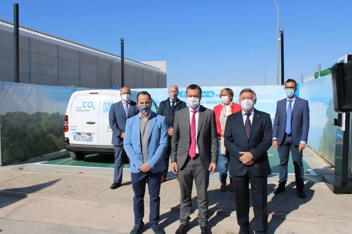 Inaugurada la primera electrolinera del Polígono Industrial de Herencia 6