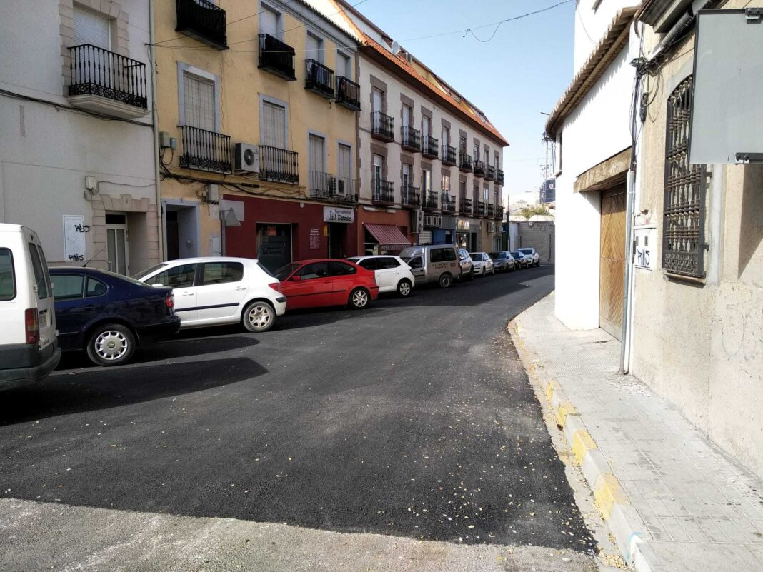 El plan de asfaltado de Herencia completa el acondicionamiento de la Calle Mesones 13