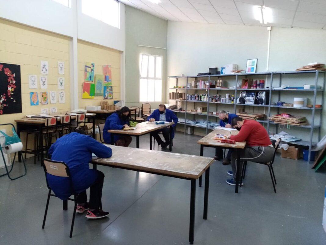 """inicio curso covid 19 el picazuelo herencia 2 1068x801 - Inicio del curso en el Centro Ocupacional y de Día """"El Picazuelo"""" con máxima seguridad"""