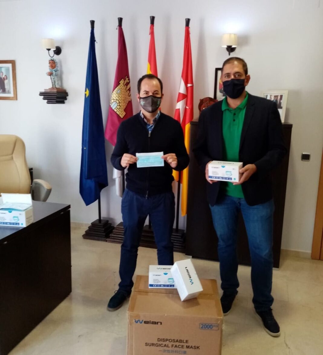 mascarillas diputacion para herencia 1068x1173 - 2.000 mascarillas para los colectivos más vulnerables en Herencia