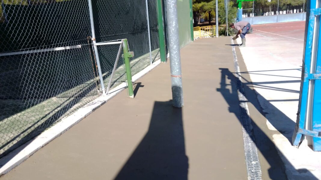 mejoras ceras herencia pista padel 1068x601 - Mejoras en los alrededores de la pista de padel cubierta de Herencia