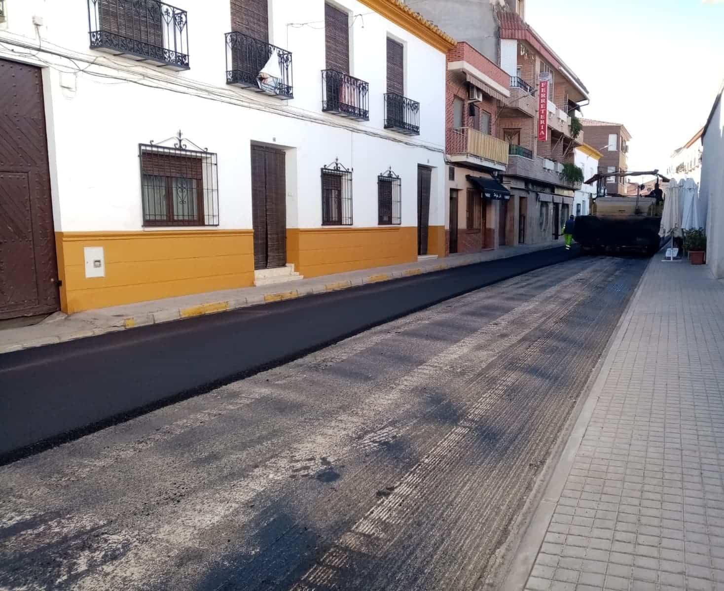 El plan de asfaltado de Herencia completa el acondicionamiento de la Calle Mesones 9
