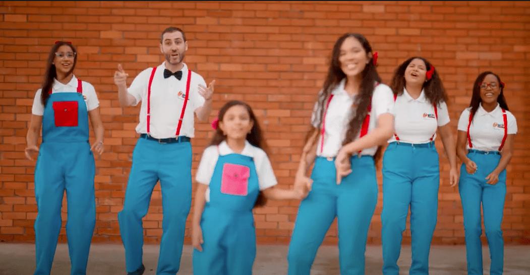 Nuevo videoclip de Corito Chichigua junto a JuanD y otros artistas de diferentes partes del mundo 9