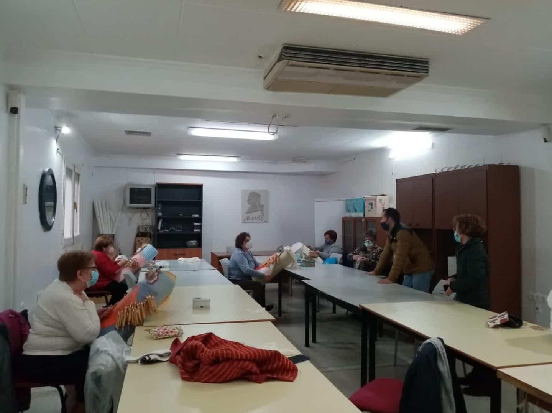 La Universidad Popular de Herencia se desarrolla con seguridad y grupos reducidos 5
