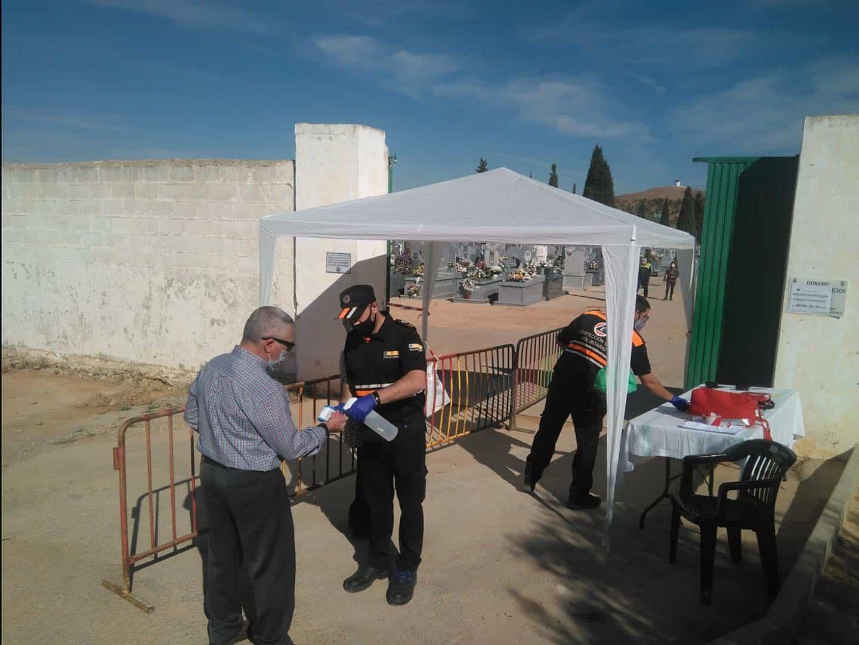 Protección Civil gestionó el control de aforo del Cementerio en esta atípica fiesta de Todos los Santos 5