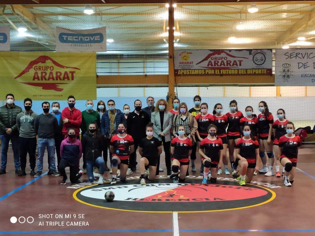 federacion balonmano visita herencia 1068x801 - La Federación de Balonmano en Herencia para abordar futuros acuerdos de colaboración