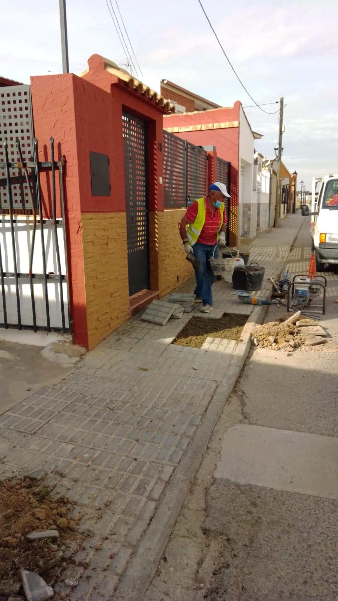 Siguen las pequeñas obras de mantenimiento en Herencia 5