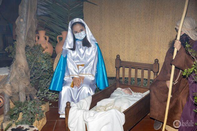 Galería fotográfica del belén viviente y misa de vigilia de Navidad 73