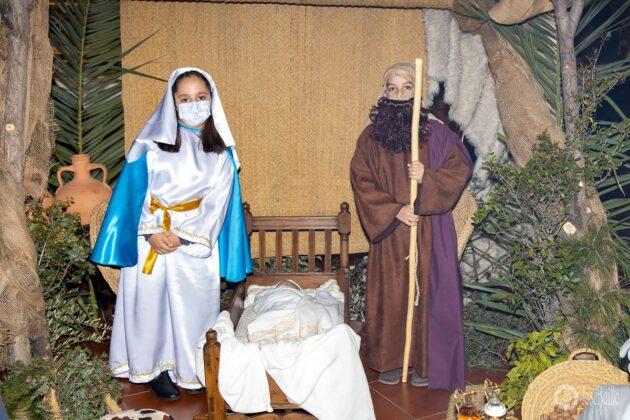 Galería fotográfica del belén viviente y misa de vigilia de Navidad 68