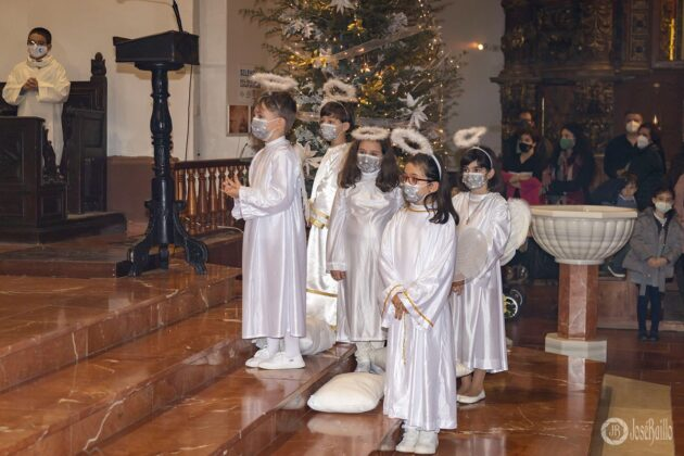 Galería fotográfica del belén viviente y misa de vigilia de Navidad 67