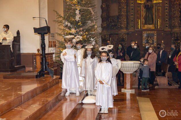 Galería fotográfica del belén viviente y misa de vigilia de Navidad 64